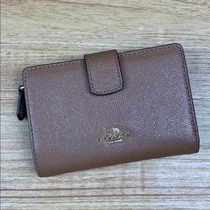 NEW Coach Brown Leather Zip Fold Wallet